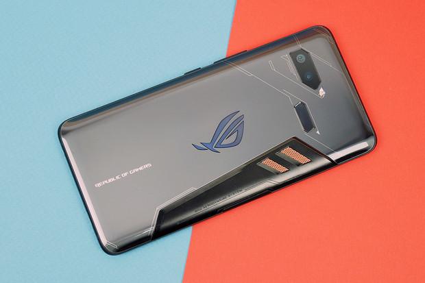 Na herní ASUS ROG Phone zamíří Android 9.0. Výrobce jej už testuje