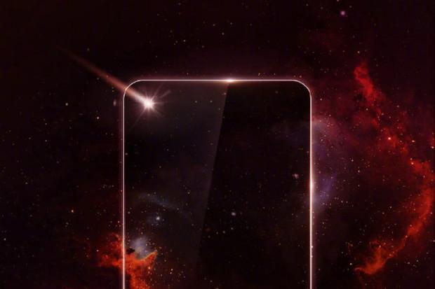 """Rivalita mezi Samsungem a Huawei stoupá. """"Displej s dírou"""" chce mít první Huawei"""