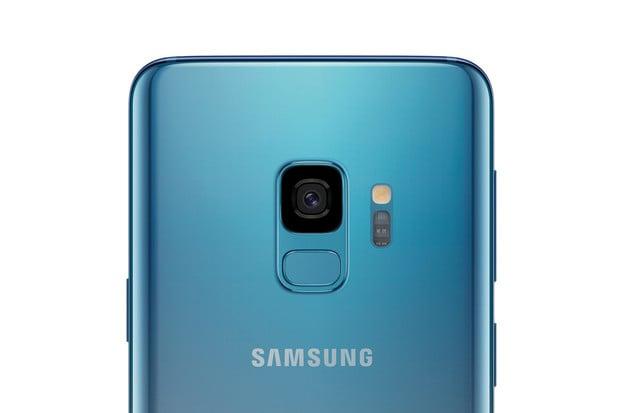 Samsung očekává mráz. V Německu nasadí barvu Polaris Blue pro Galaxy S9