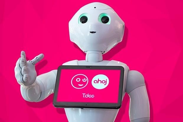 Vyrazte do prodejny T-Mobile v Praze na Chodově a pobavte se s robotem Pepper T-Dee