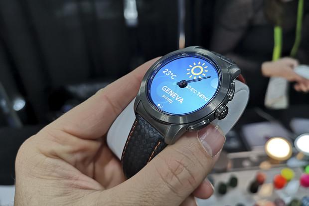 Hybridní hodinky MyKronoz ZeTime 2 z Las Vegas: dvě velikosti a povedený design