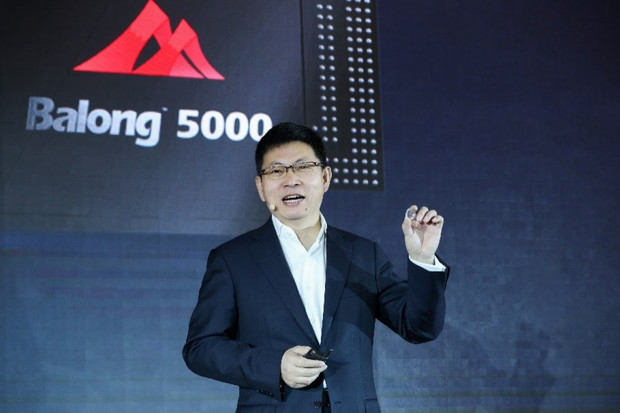 Huawei vysvětluje schopnosti 5G modemu Balong 5000, který se podívá i do automobilů