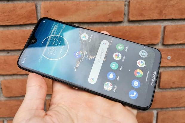 Motorola Moto G7 je stěžejní model. Podívejte se na naše dojmy z Brazílie