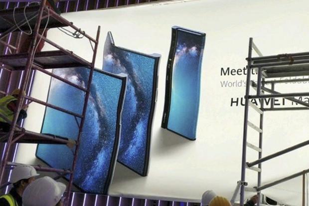 Ohebný telefon Mate X od Huawei se ukazuje v plné parádě