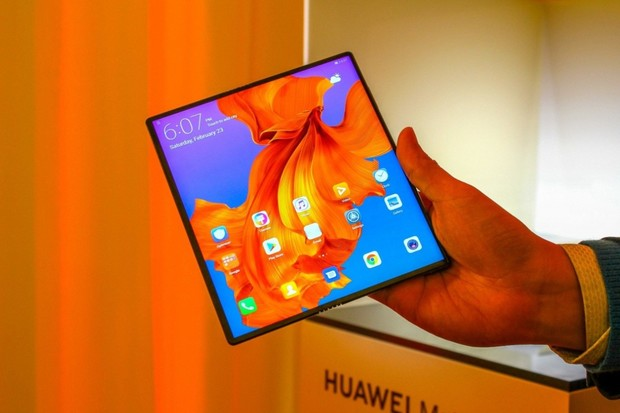 Prvním schváleným smartphonem pro 5G se v EU stal Huawei Mate X