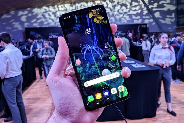 Neohebné, ale praktické. LG V50 ThinQ 5G má v rukávu druhý displej a Snapdragon 855