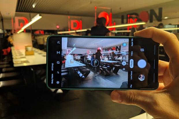 Otestovali jsme vylepšený noční režim Samsungu Galaxy S10+. Výsledek vás překvapí