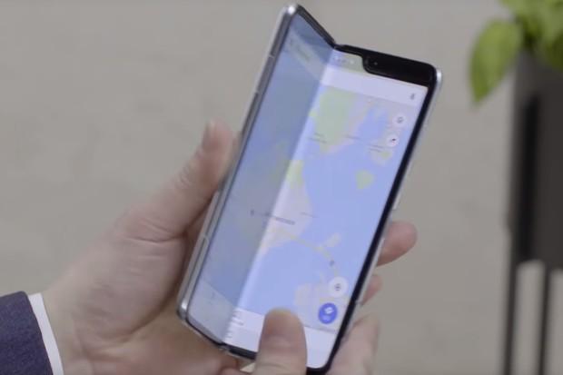 Samsung Galaxy Fold se opět odkládá. Prozatím na červenec