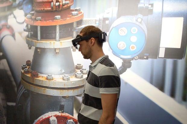 Vyzkoušeli jsme Microsoft HoloLens 2. Napravují zásadní nedostatky první generace