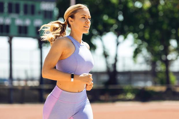 Fitbit představil čtyři novinky. Nechybí chytré hodinky či náramek pro děti