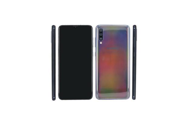 Samsung Galaxy A70 se odhaluje. Má obří displej, tři fotoaparáty a Snapdragon 675