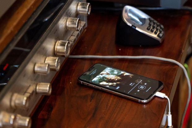 Popularita streamovacích služeb roste. Tvoří již 37% příjmů hudebního průmyslu
