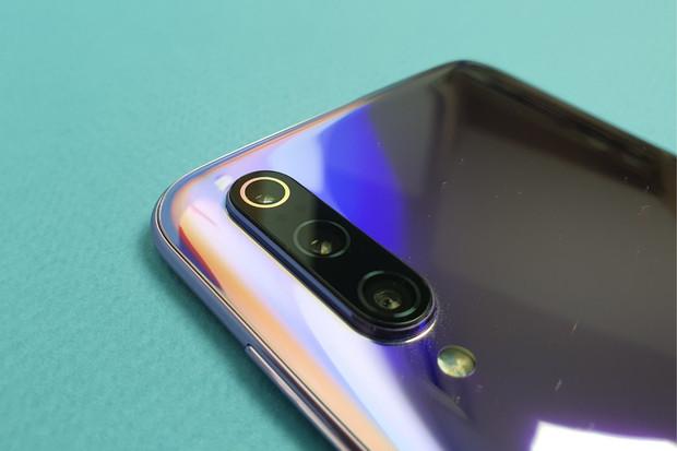 Snapdragon 855 se usídlil v redakci. Jaké jsou naše první dojmy z Xiaomi Mi 9?