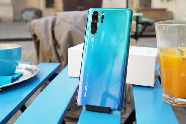 Huawei P30 Pro je dostupnější, jeho cena klesla pod 18 tisíc korun