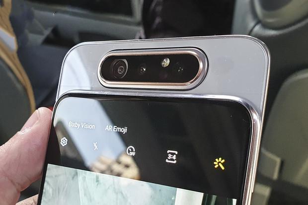 Fotí Galaxy A80 stejně dobře jako vypadá? Rozhodněte vy!