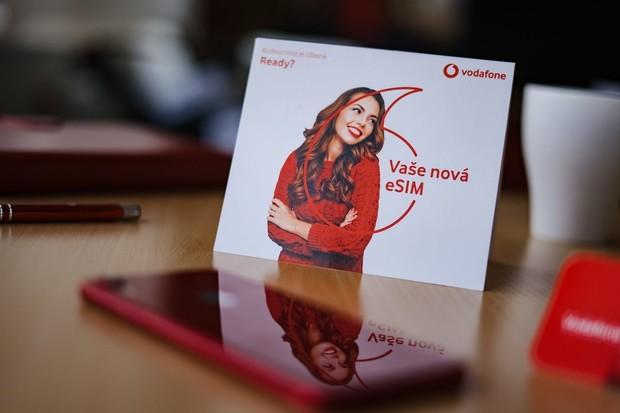Vodafone hlásí, že přibývá zákazníků s eSIM. Nově mohou volat i z hodinek