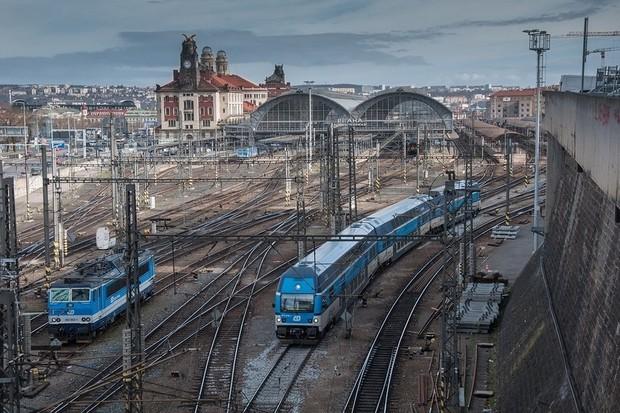 Na 13 českých vlakových nádražích se váš telefon automaticky připojí k Wi-Fi