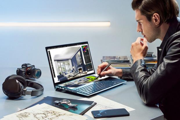 """ASUS ZenBook Pro Duo se chlubí 14palcovým sekundárním displejem """"ScreenPad Plus"""""""