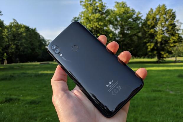 Do redakce dorazil Redmi 7 by Xiaomi, postrach telefonů v segmentu do čtyř tisíc korun