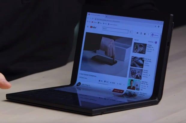 Podívejte se na ohebný Lenovo ThinkPad X1 na reálných záběrech