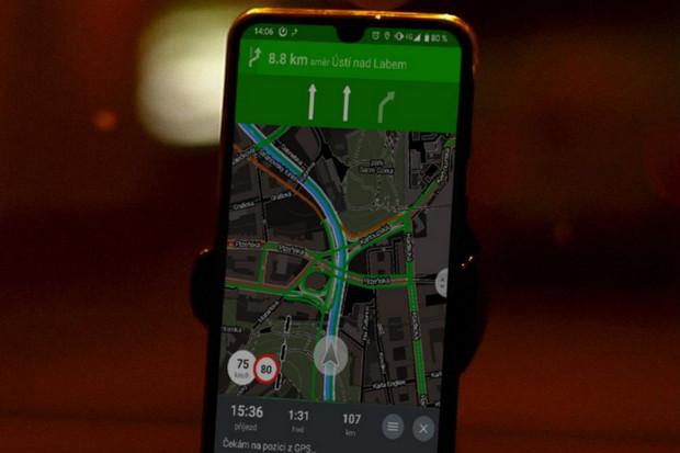 Mapy.cz v navigaci testují aktuální informace o provozu