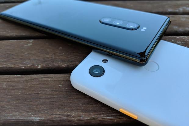 Dva 12megapixelové senzory, pouze jeden vítěz. Porovnejte Sony Xperii 1 a Pixel 3a XL