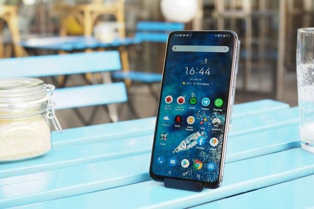 ASUS ZenFone 6 má po aktualizaci problémy, musí do servisu