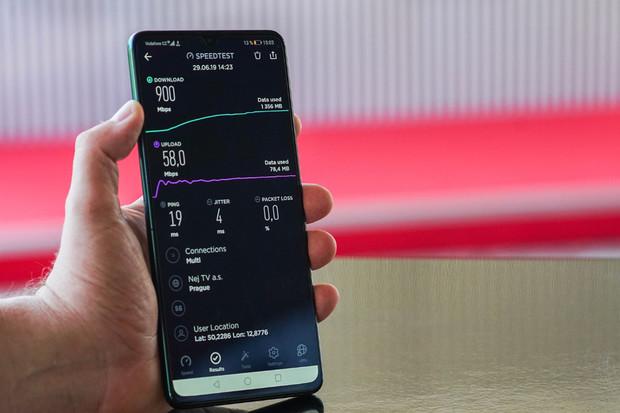 Vodafone předvedl v Karlových Varech první 5G holografický hovor v České republice