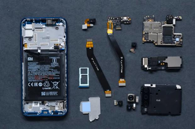 Xiaomi nabízí detailní pohled na interní komponenty rozebraného Mi A3