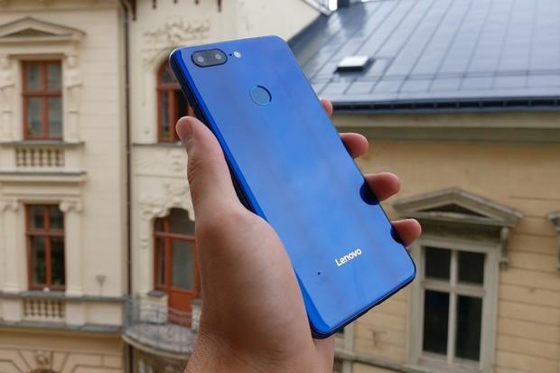 Nejlevnější telefon se čtyřmi fotoaparáty. Testujeme Lenovo K9