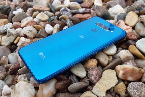 LG Q60 v naší redakci. Jaká je snaha výrobce ve střední třídě?