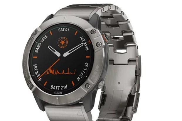 Garmin představil hodinky se solárním panelem