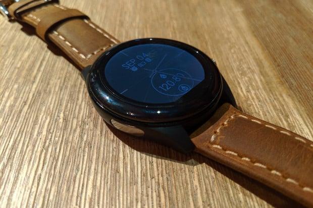 ASUS představil chytré hodinky VivoWatch SP. Nabídnou EKG i zabudovanou GPS
