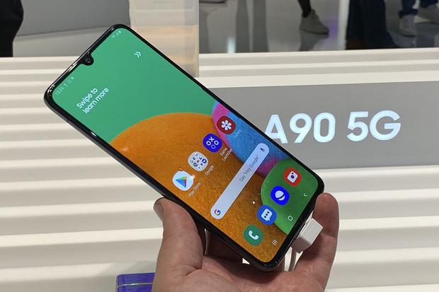 Samsung Galaxy A90 5G naživo: je to obří rychlík
