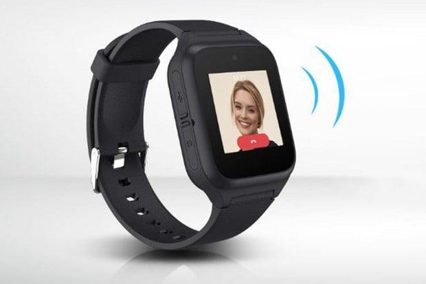 Chytré hodinky od TCL pomůžou hlídat seniory i děti