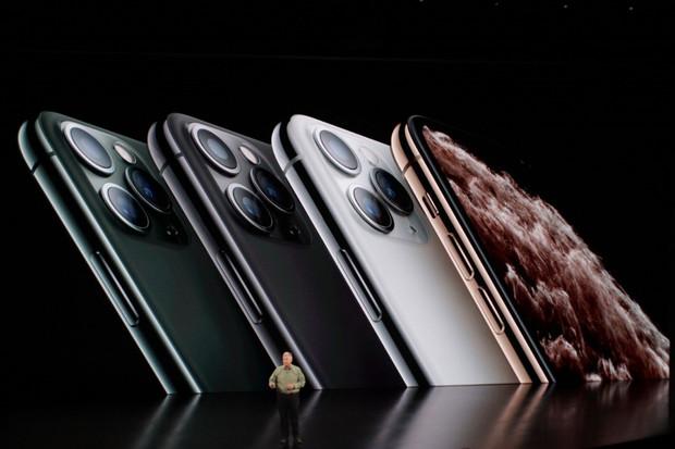 Průměrný Čech na iPhone 11 Pro vydělává 25 dní, Švýcar necelých 5