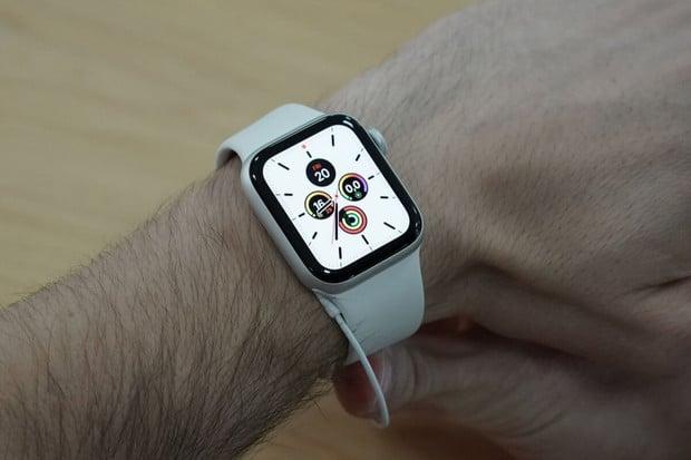 Příští generace Apple Watch by mohla nabídnout Touch ID