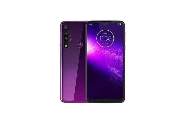 Čtyřfotoaparátová Motorola One Macro zřejmě půjde do prodeje již 9. října