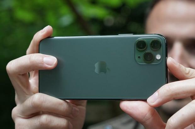 Vyrovná se iPhone 11 Pro digitální zrcadlovce vhodnotě přes 150 tisíc korun?