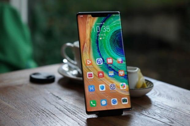 Huawei Mate 30 Pro: smartphone s příchutí zakázaného ovoce
