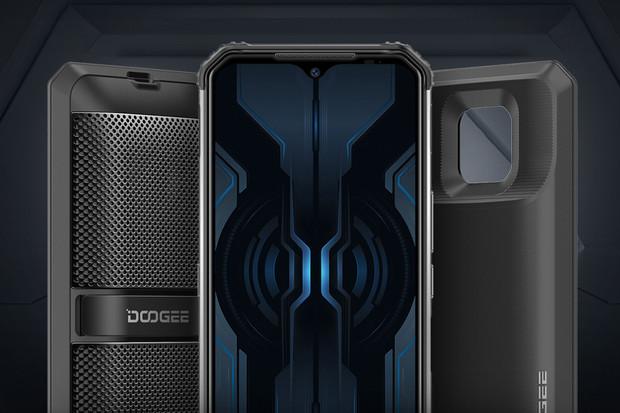 Doogee S95 Pro je multimediální obrněnec, který vydrží 4 hodiny pod vodou