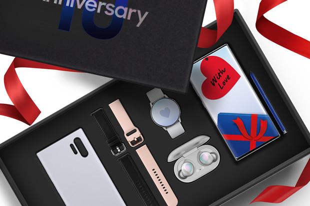 Samsung slaví a dává slevu 10 tisíc na luxusní balíček s Galaxy Note10+