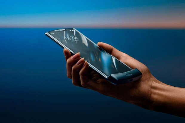 Motorola Razr má evropskou cenu, zřejmě přeleze 40 tisíc korun