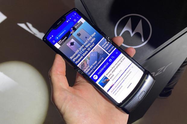 Ostře sledovaná Motorola Razr poprvé naživo! Tady jsou naše dojmy z Londýna