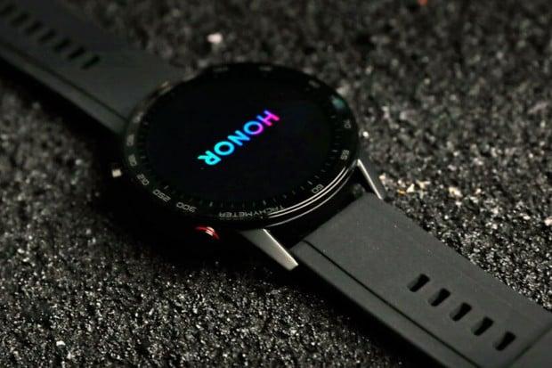 Podívejte se na první fotografie chytrých hodinek Honor Watch Magic 2