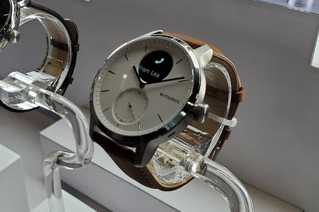 Vyzkoušeli jsme klasicky vypadající hodinky Withing ScanWatch s chytrými funkcemi