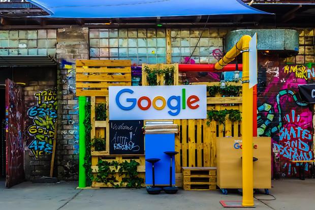Internetový moloch Google zveřejnil výsledky za Q4 2019. Tržby přesáhly bilion korun