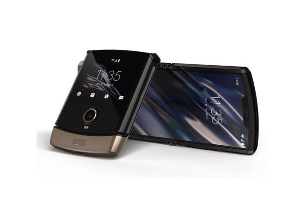 Ohebná Motorola Razr bude od jara dostupná i ve zlaté variantě