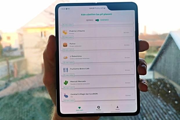 Přes aplikaci Qerko si můžete nově jídlo i objednat