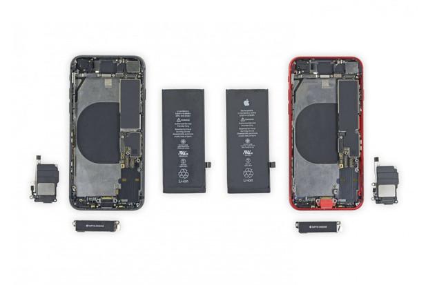 iFixit ukazuje, jak snadno lze prohodit součástky mezi iPhonem 8 a iPhonem SE